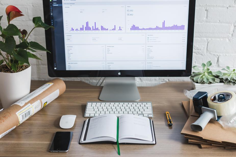 office-computer-screen_925x