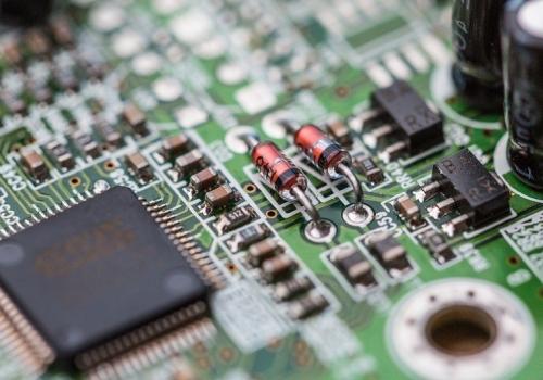 electronics-chip-board-hardware-close-up-picjumbo-com